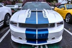 Mustang Gt350 no café e nos carros de Blackhawk Fotos de Stock Royalty Free