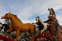 Mustang Monument float at the 122nd tournament of Royalty Free Stock Photos