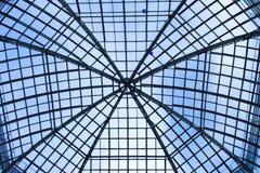 Muster auf hoher Bogendecke Stockfotografie