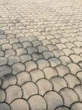 Muster deckt Bodenskalahintergrund mit Ziegeln Stockbilder