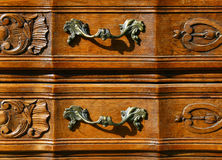 Muster der Blumenwoodcarvingmöbel Stockfotografie