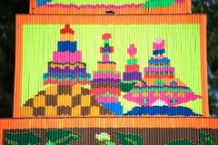 Muster des dekorativen Weihrauchs in der Parade Traditions-Verdienstaktion des Weihrauchs der buddhistischen Stockfoto