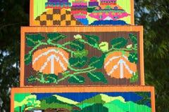 Muster des dekorativen Weihrauchs in der Parade Traditions-Verdienstaktion des Weihrauchs der buddhistischen führen vor Stockbild