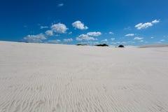Muster im weißen Sand von Atlantis Stockfotos