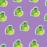 Muster kalken Sie und Blätter und Scheiben auf purpurrotem Hintergrund Lizenzfreie Stockbilder