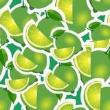 Muster kalken Sie und verschiedene Größen der Blätter auf grünem Hintergrund Stockfotos