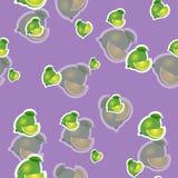 Muster kalken Sie und verschiedene Größen der Blätter auf purpurrotem Hintergrund Transparenzkalk Lizenzfreies Stockfoto