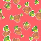 Muster kalken Sie und verschiedene Größen der Blätter auf rotem Hintergrund Transparenzkalk Lizenzfreie Stockfotos