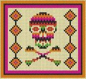 Muster mit dem Schädel und den ethnischen mexikanischen Elementen Tag der Toten, ein traditioneller Feiertag in Mexiko Lizenzfreie Stockfotos