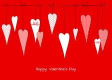 Muster mit einer Zeichnung von Gekritzelherzen in den Erbsen streifte dekorativen romantischen Hintergrund des Käfigs für Valenti lizenzfreie abbildung