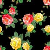 Muster mit Rosen auf schwarzem Hintergrund Stockfotografie