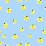 Muster mit Zitrone und Blättern auf blauem Hintergrund Stockbilder