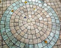 Muster und Farben auf dem Ziegelsteinboden stockbild