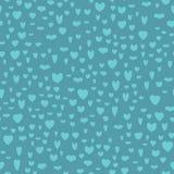 Muster von blauen Herzen auf dunkelblauem Hintergrund Stockfotografie
