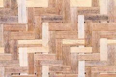 Muster von den thailändischen Artkorbwaren gemacht vom Bambus stockbild
