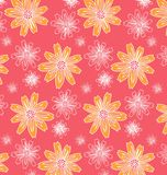 Muster von gelben und weißen Blumen Lizenzfreie Stockfotos