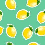 Muster Zitronen- und Blattselbe größen auf Türkishintergrund Stockbilder