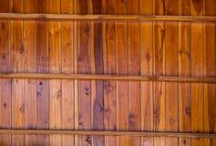 Musterdetail des Teakholzgoldes Stockfoto