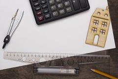 Musterhaus und Ziehwerkzeuge Lizenzfreies Stockfoto