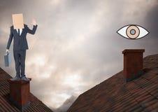Mustern Sie die Ikone und Geschäftsmann, die auf Dächern mit Kamin und Pappschachtel auf seinem Kopf und drastischen L stehen Lizenzfreie Stockfotografie