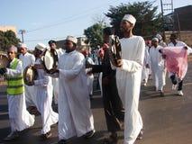 Musulmanes en humor celebrador en África Foto de archivo libre de regalías