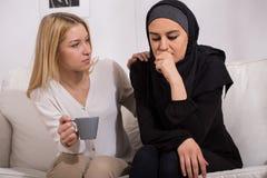 Musulmani che soffrono dai pregiudizi immagini stock