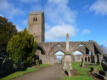 Muthill alte Kirche und Kontrollturm nahe Crieff, Schottland Stockbild