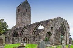 Muthill Jacobite历史老教会&塔废墟的苏格兰 图库摄影