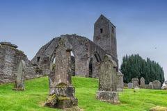 Muthill Jacobite历史苏格兰老教会&塔古老废墟  库存照片