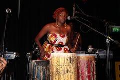 Muthoni, el batería Queen Foto de archivo