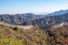 Mutianyu sida av den stora väggen av Kina arkivbilder