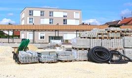 Mutlangen, Deutschland Juni 17,2018: Bau eines Gemeinschaftsbu lizenzfreie stockfotos