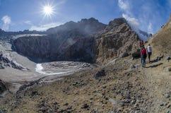 Mutnovsky vulkan Royaltyfria Bilder