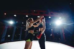 Muttahida Majlis-E-Amal de Boxing del atleta de la muchacha fotos de archivo