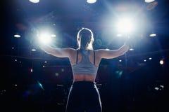 Muttahida Majlis-E-Amal de Boxing del atleta de la muchacha imágenes de archivo libres de regalías