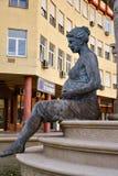 Mutter, die ein Kind umarmt Monument in der historischen Mitte von Skopje, Mazedonien stockfoto