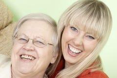 Mutter mit der Tochter Stockfoto