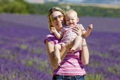 Mutter mit ihrem Baby Lizenzfreie Stockfotos