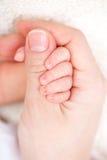 Mutter mit neugeborenem Schätzchen lizenzfreie stockbilder