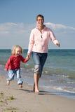 Mutter mit Tochter Lizenzfreie Stockfotos