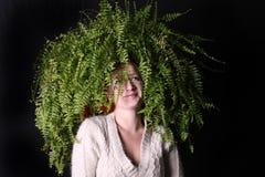 Mutter Natur mit einem Boston-Farn für Haar Stockbilder