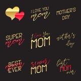 Mutter-Tag die kalligraphischen Embleme beschriftend eingestellt Lokalisiert auf schwarzer Vektorillustration Glücklicher Mutter- Lizenzfreie Stockbilder