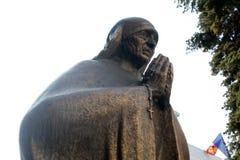 Mutter Teresa Monument in Skopje lizenzfreie stockfotos