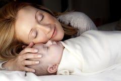Mutter und Baby Lizenzfreie Stockbilder