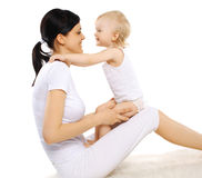 Mutter und Baby, glückliche Familie Lizenzfreie Stockfotos