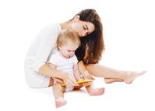 Mutter und Baby mit Tabletten-PC Lizenzfreies Stockbild
