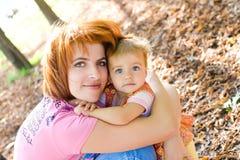 Mutter und daugther Stockbild