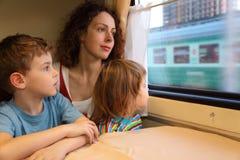 Mutter und Kinder Lizenzfreie Stockfotografie