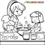 Mutter und Kinder, die in der Küchenmalbuchseite kochen Stockfotografie