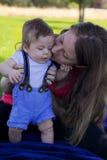 Mutter und neugeborenes Schätzchen Lizenzfreie Stockfotografie